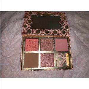 Benefit Makeup - Benefit Blush Bar Palette